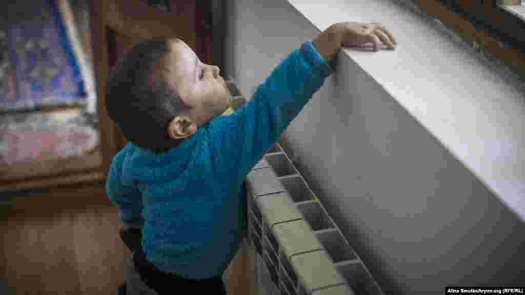 Трехлетний сын Алие и Энвера Умар
