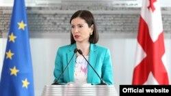 Речниця МВС Грузії Ніно Ґіорґобіані виступає з заявою про схованки, Тбілісі, 17 червня 2013 року