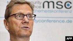 Шефот на германската дипломатија Гвидо Вестервеле на прес конференција во Минхен, 03.02.2012.