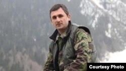 Поводом для отставки министра внутренних дел Абхазии стала разборка между двумя силовыми структурами – МВД и Госслужбой охраны. Однако помимо официальной существует и другая версия