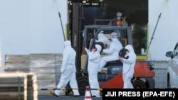 صدراعظم شینزو ابي ویلي چې جاپان به د بلې بیړۍ بهرنیو مسافرو ته د ورتلو اجازه ورنه کړي.