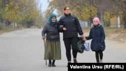 Din totalul de 9,7 milioane de români din afara granițelor, 5,6 milioane trăiesc în diaspora, restul, în comunitățile istorice