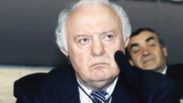 Eduard Shevardnadze in Prague in 2002