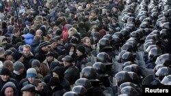 Пророссийская демонстрация в Донецке, 9 марта 2014 года.