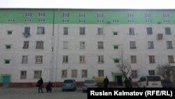 Новые квартиры построены сверху старого 4-этажного общежития.