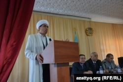 Представитель Духовного управления мусульман Казахстана в Актюбинской области имам Толеби Оспанов.