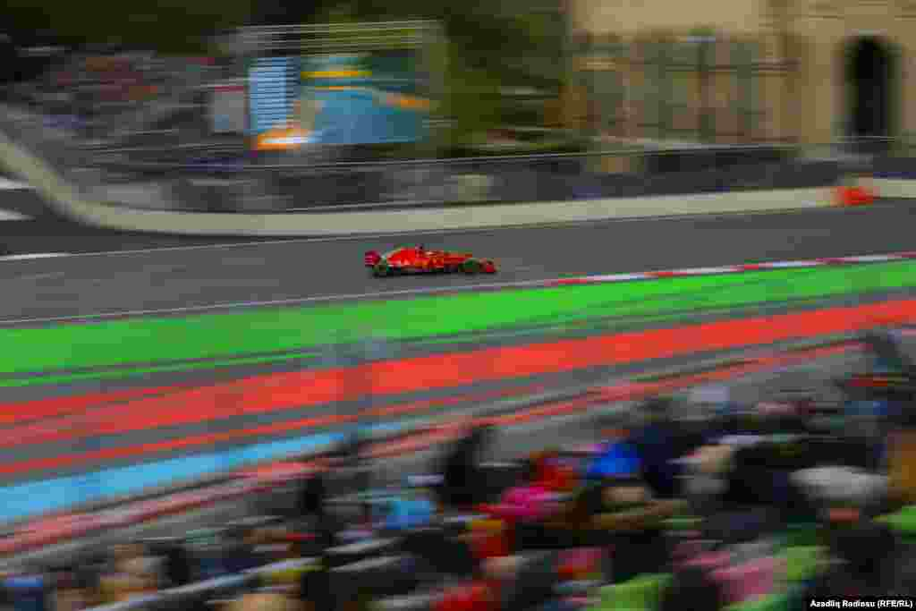 A Formula One Grand Prix competitor races in Baku, Azerbaijan, on April 29. (Aziz Karimov, RFE/RL)