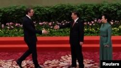 Predsednik Srbije Aleksandar Vučić tokom pres konferencije u nedelju 15. marta 2020., kineskog lidera Si Đinping nazvao je svojim bratom. Na slici prilikom susreta dvojice predsednika u Pekingu 14. maja 2017.