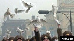 Հայաստան -- Հայաստանցի զինծառայողները նշում են ՀՀ Զինված ուժերի կազմավորման 18-րդ տարելիցը