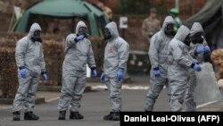 Британські силовики досліджують місце, де були знайдені отруєні Сергій Скрипаль та його дочка