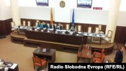 Собраниска расправа за презумпција на невиност, наодите за злоупотреба на притворот, загрозување на слободата на изразување и медиумски слободи и правото на изразување јавен протест во Република Македонија.