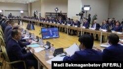 Первое заседание комиссии по земельной реформе, созданной при правительстве. Астана, 14 мая 2016 года.