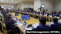 Заседание комиссии по земельной реформе в Астане 14 мая 2016 года.
