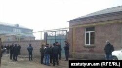 Гюрмидегі отбасы қаза тапқан үй. Армения, 12 қаңтар 2014 жыл