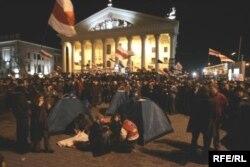 20 сакавіка 2006 году на Кастрычніцкай плошчы ў Менску