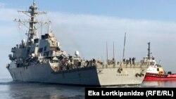 ამერიკული სამხედრო გემი Porter-ი გადის ბათუმის პორტიდან 2019 წლის 25 ოქტომბერი