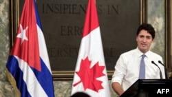 Премьер-министр Канады Джастин Трюдо выступает с лекцией в Гаванском университете в ноябре 2016 г.