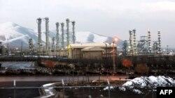 Тегерандан 190 чакырым түштүк-батыштагы Арак ядролук ишканасынын жалпы көрүнүшү.
