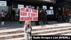 Pamje nga protestat e së shtunës kundër devijimit të lumit Radika