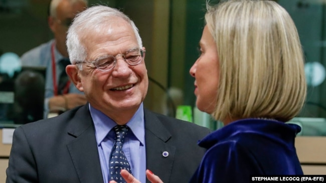 جوزف بورل در کنار فدریکا موگرینی مسئول کنونی سیاست خارجی اتحادیه اروپا
