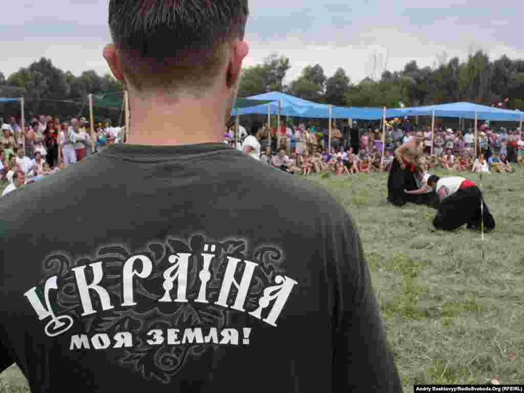 На один день село Літочки неподалік від Києва перетворилось на місце зустрічі представників різних шкіл традиційних українських бойових мистецтв