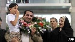 Шаҳром Амирӣ дар соли 2011 аз Амрико баргашт.