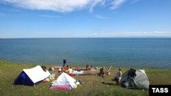 Заведено 16 уголовных дел по фактам загрязнения побережья Байкала