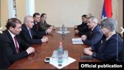 Фотография - пресс-служба Национального cобрания Армении