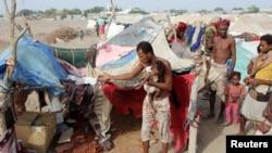 یمن کې بې ځایه شوي کډوال،د یمن لپاره د ملګرو ملتونو ځانګړی استازی مارتین ګریفیټس وايي په یمن کې د جګړې د پای ته رسولو په برخه کې د نړیوالو ملاتړ اړین دی. د ملګرو ملتونو ارقام ښيي چې د یمن په سلو کې اتیا وګړي بشري مرستو ته اړ دي.