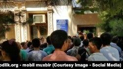 Uzbekistan - queue next passport desk to take new passport in Samarkand