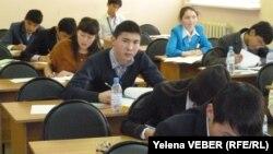 Участники пятой президентской олимпиады школьников. Темиртау, 7 декабря 2012 года.