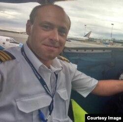 Сергей Сенин – пилот гражданской авиации