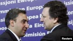 Jose Manuel Barroso și premierul georgian Nika Gilauri