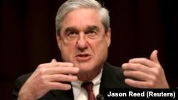 Robert Mueller este autorul raportului