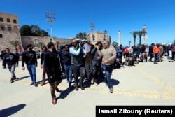 Похороны в Триполи солдат армии ПНЕ, погибших в боях с армией Халифы Хафтара. 8 апреля 2019 года