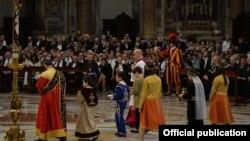 Vatican - Armenian children participate in a Mass celebrated by Pope Francis in St. Peter's basilica, 12Apr2015.