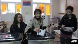Pamje nga votimet për zgjedhjet lokale të 2013-s në veri të Mitrovicës.