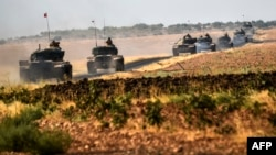 Türkiyə tankları, Türkiyə- Suriya sərhəd bölgəsində, arxiv foto