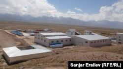 """Кыргыз-кытай """"Кайди"""" компаниясынын имараттары. Чоң-Алай, 17-август, 2012."""