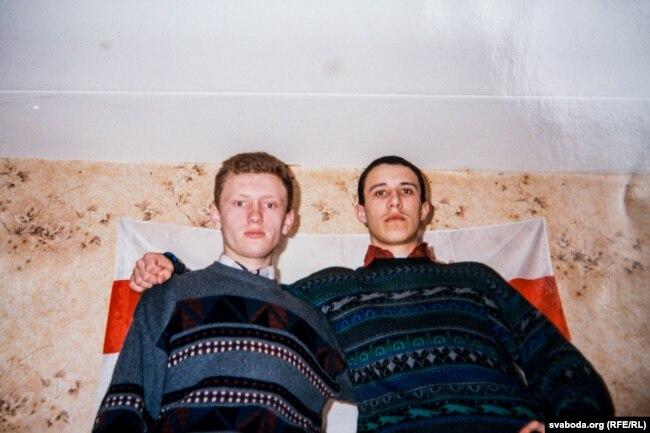 Аляксей Янукевіч і Павал Севярынец ў канцы 90-х гадоў. Фота з архіву Аляксея Янукевіча
