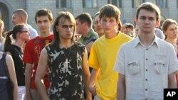 Участникам молчаливых акций протеста в Белоруссии - равно как и другим оппозиционерам - с принятием поправок в закон о КГБ придется побеспокоиться не только о своей свободе, но и о сохранности своей жизни.