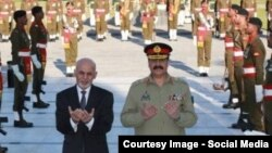 Afghan President Ashraf Ghani (left) and Pakistani army chief General Raheel Sharif (file photo, click to enlarge)