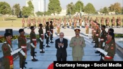 File photo of Afghan President Ashraf Ghani and Pakistani army chief General Raheel Sharif offering prayers at a Pakistani war memorial in November.