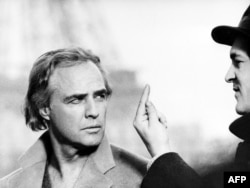 """Marlon Brando """"Paristə son tanqo"""" filmində"""