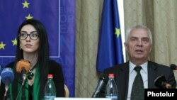 Armenia - Armenian Justice Minister Arpine Hovannisian (L) and Piotr Switalski, the head of the EU Delegation in Armenia, attend a seminar on judicial reforms in Yerevan, 30May2016.