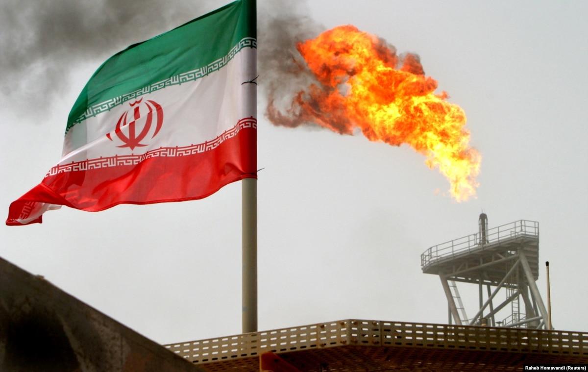 Иран сообщил, что «конфисковал» британский танкер