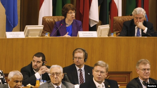 EU foreign-policy chief Catherine Ashton (top left) speaks during the joint Arab League-European Union foreign ministers meeting on Syria, at the Arab League headquarters in Cairo on November 13.