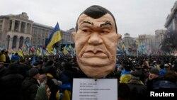 Акция сторонников Евроинтеграции в Киеве в воскресенье собрала до полумиллиона человек