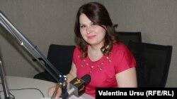 Cristina Lesnic în studioul Europei Libere