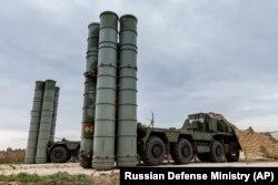 Российские системы ПВО С-400 на базе Хмеймим в Сирии